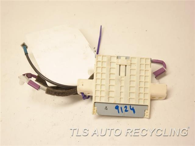 2014 Toyota Land Cruiser Antenna Radio  GPS ANTENNA  86860-60230