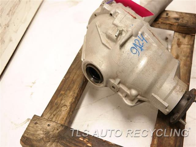 2014 Toyota Land Cruiser Front Differential HAS MINOR METAL ROCK CHIP FRONT AXLE, (3.91 RATIO) NIQ