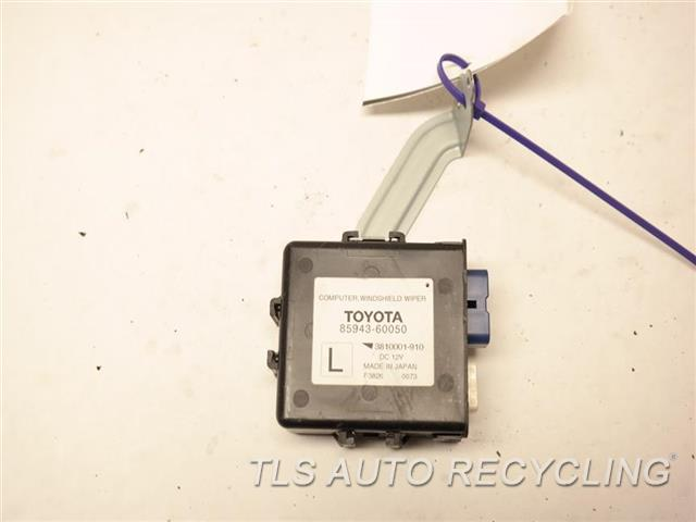 2014 Toyota Land Cruiser Chassis Cont Mod  85943-60050 WINDSHIELD WIPER COMP.