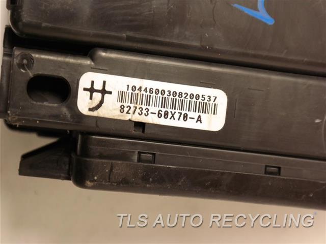 2014 Toyota Land Cruiser  ONE DAMAGE TAB CABIN FUSE BOX 82733-60X70