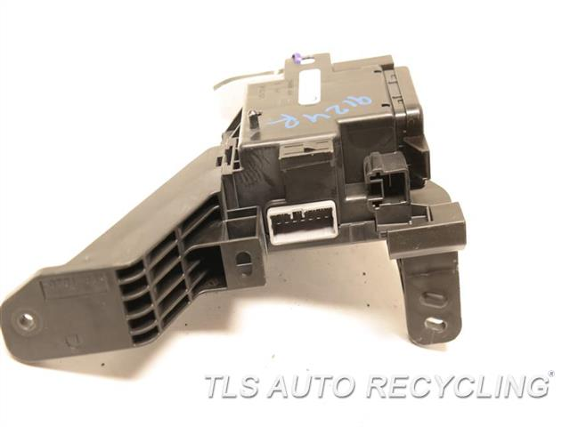 2014 Toyota Land Cruiser   JUNCTION FUSE BLOCK 82731-60253