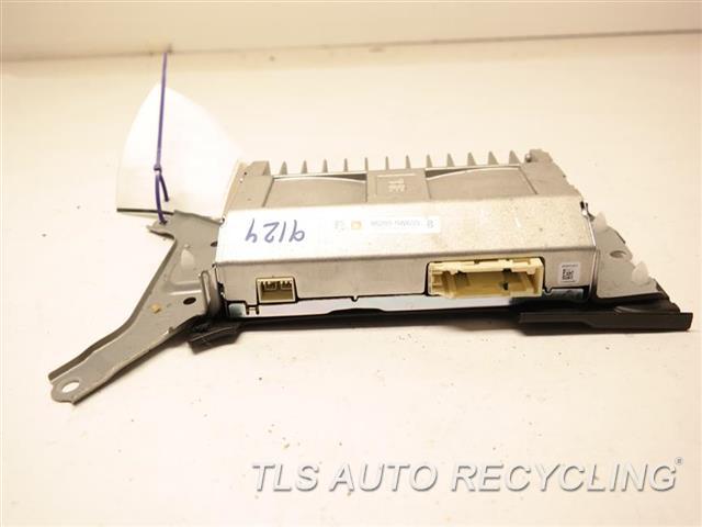2014 Toyota Land Cruiser Radio Audio / Amp  AMPLIFIER 86280-0WA30