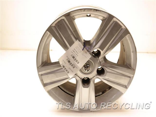 2014 Toyota Land Cruiser Wheel MINOR CURB RASH 18X8 ALLOY WHEEL