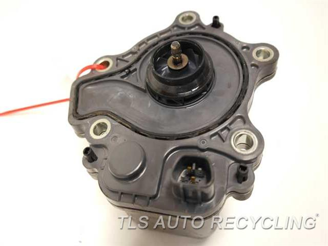 toyota_prius_2010_coolant_pump_212586_04 2010 toyota prius water pump engine 1610 39015 used a grade  at nearapp.co
