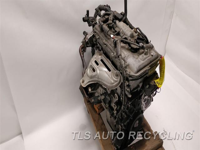 2010 Toyota Prius Engine Assembly  ENGINE ASSEMBLY 1 YEAR WARRANTY
