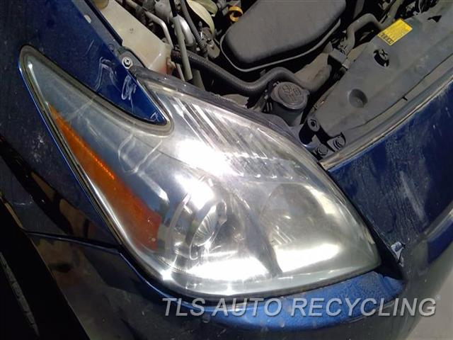 2010 Toyota Prius Headlamp Assembly NEEDS BUFF RH,FROM 2/10, HALOGEN, R.