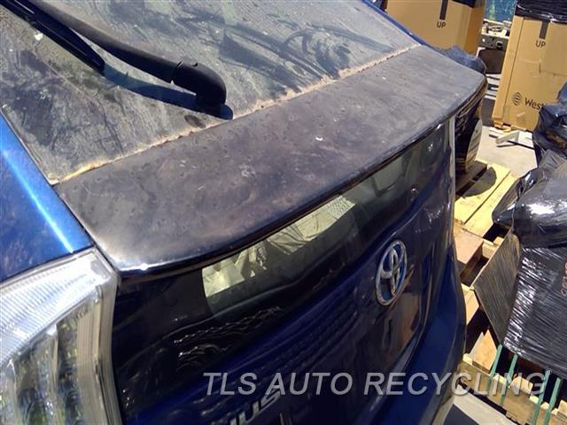 2010 Toyota Prius Spoiler, Rear PAINT FADING  BLK,LID MOUNTED
