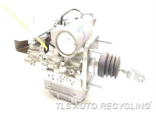 2012 Toyota Prius abs pump - 47050-52020ABS MODULE MASTER CYLINDER