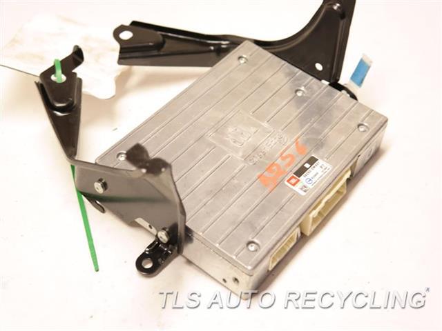 2012 Toyota Prius radio audio / amp - RADIO AMPLIFIER 86280