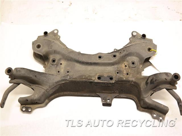 2013 Toyota Prius V Sub Frame 51201-0R010  W/ FRONT STABILIZER BAR FRONT CROSSMEMBER