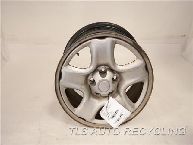 2004 Toyota Rav 4 Wheel HAS FACE SCRATCHES 16X6-1/2 STEEL WHEEL