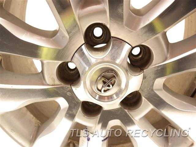 2008 Toyota Sequoia Wheel MINOR CURB RASH 20X8 ALLOY WHEEL 10 SPOKE