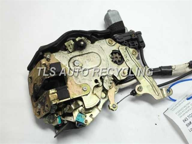 2004 Toyota Sienna Lock Actuator 69300 08010driver Rear