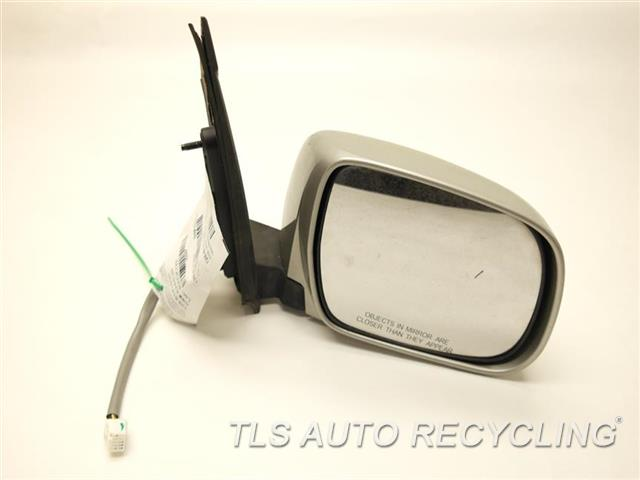 2006 toyota sienna side view mirror has scuff outer edge and paint chip re. Black Bedroom Furniture Sets. Home Design Ideas