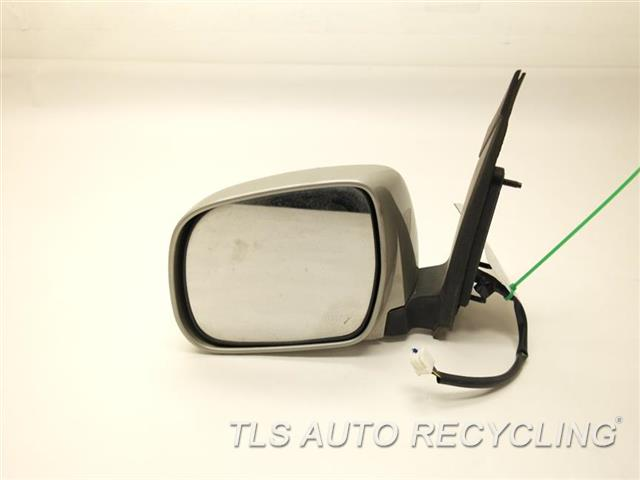 2006 toyota sienna side view mirror outer edge has a scuff mark repainttan. Black Bedroom Furniture Sets. Home Design Ideas
