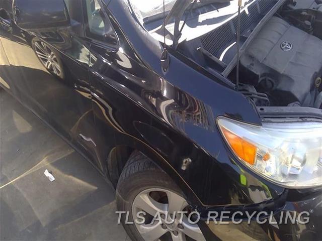 2011 Toyota Sienna Fender  000,RH,BLK,R., ANTENNA
