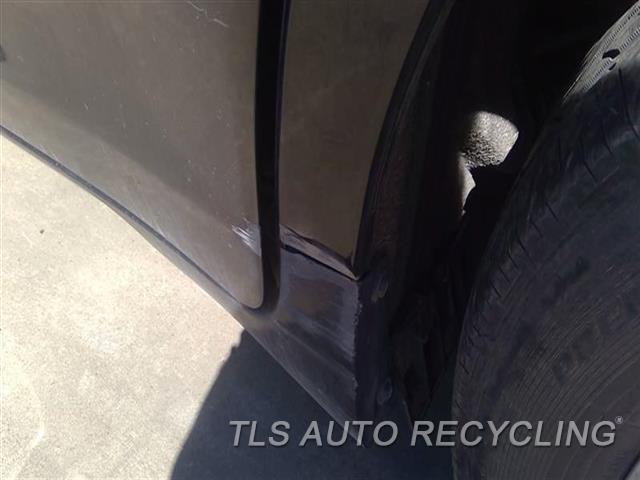 2011 Toyota Sienna Quarter Panel Assy SCUFF W/DENT BOTTOM SECTION 7D2,7S1,LH,BLK