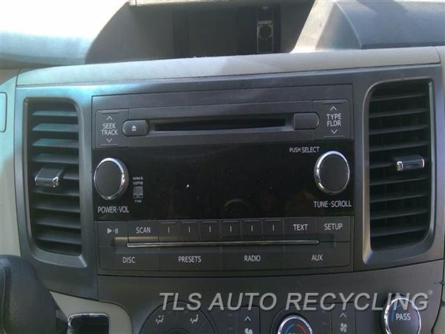 2011 Toyota Sienna Radio Audio / Amp  DISPLAY AND RECEIVER, FACE ID P1842