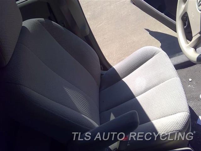 2011 Toyota Sienna Seat, Front  LH,TAN,CLO,(BUCKET), (AIR BAG), L.