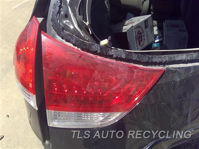 2011 Toyota Sienna Tail Lamp  LH,LIFTGATE MOUNTED,