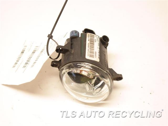 2016 Toyota Sienna Front Lamp  DRIVER FOG LAMP