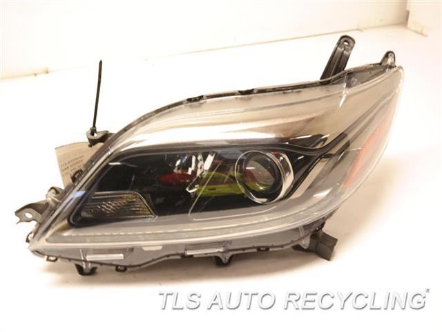 2016 Toyota Sienna Headlamp Assembly  RH,LED DAYTIME RUNNING LAMPS,HALOGE