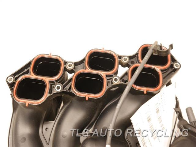 2016 Toyota Sienna Intake Manifold  (3.5L, 2GRFE ENGINE), UPPER