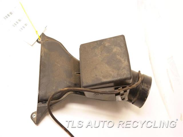 2017 Toyota Sienna Air Cleaner  AIR CLEANER INLET 17750-0P100