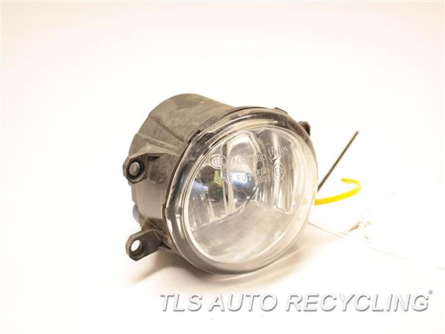 2017 Toyota Sienna Front Lamp  RH,FOG-DRIVING, (BUMPER MOUNTED), R