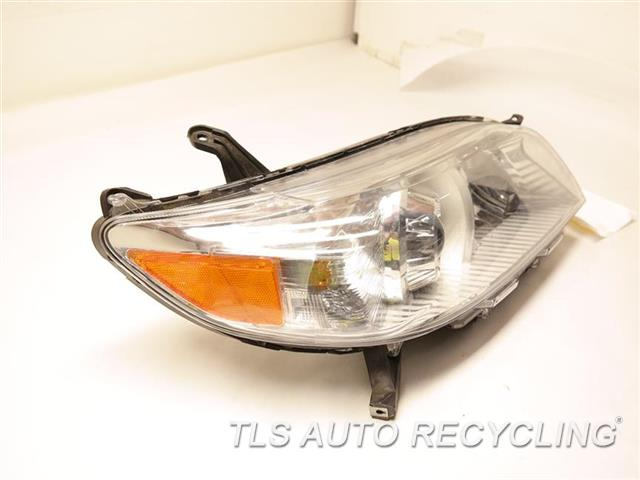 2017 Toyota Sienna Headlamp Assembly  RH,W/O LED DAYTIME RUNNING LAMPS, R
