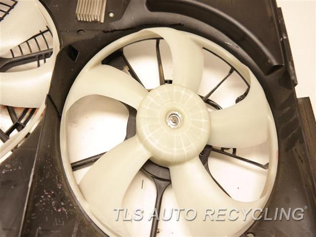 2017 Toyota Sienna Rad Cond Fan Assy TWO DAMAGED BRACKETS FAN ASSEMBLY, (6 CYLINDER) NIQ