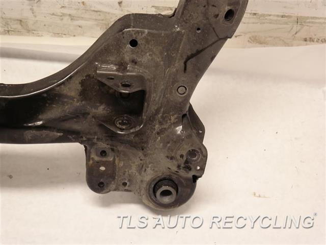 2017 Toyota Sienna Sub Frame MINOR DAMAGE FRONT, (SUSPENSION), (6 CYLINDER),