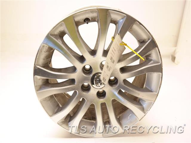 2017 Toyota Sienna Wheel HAS DEEP CURB RASH 17X7 ALLOY 7 SPLIT SPOKE WHEEL