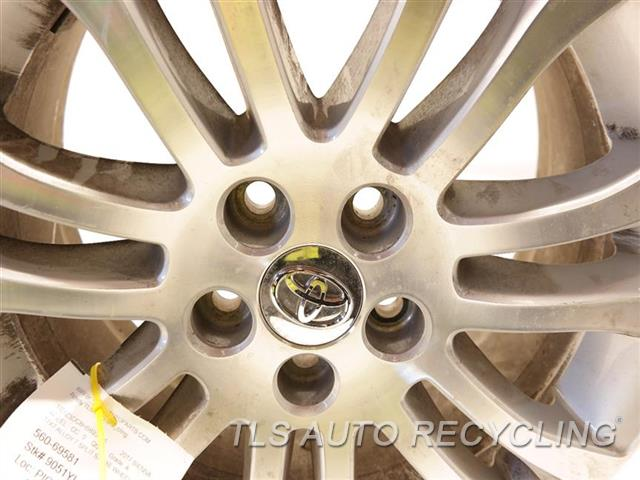 2017 Toyota Sienna Wheel HAS MINOR SCRATCHES 17X7 ALLOY 7 SPLIT SPOKE WHEEL