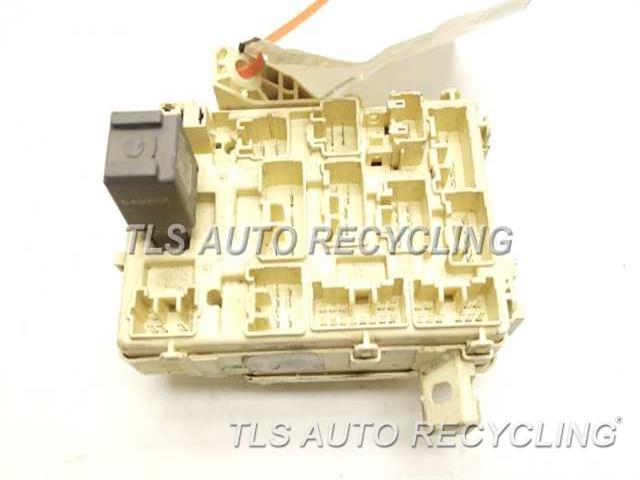 2002 toyota tacoma fuse box 82730 04011 used a grade. Black Bedroom Furniture Sets. Home Design Ideas