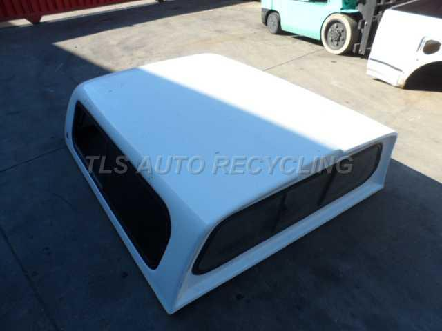 2002 Toyota Tacoma Pickup Bed White Leer Camper Shell