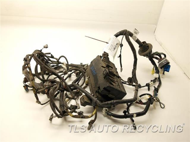 2006 toyota tacoma engine wire harness 82111 04b70 used a grade