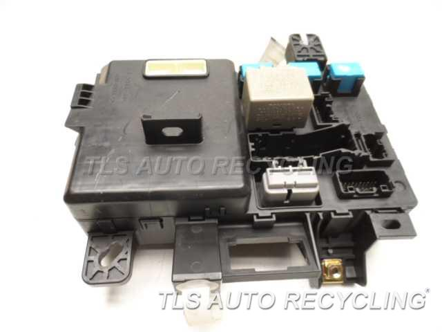 2006 toyota tacoma fuse box 82730-04050 4 0l driver dash junction box