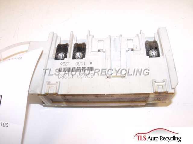 2004 toyota tundra fuse block 82620-12280