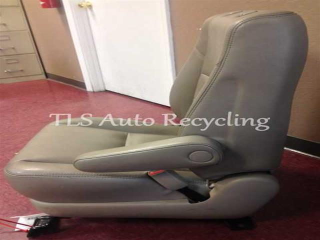 2006 Toyota Tundra Seat Front 71410 0c061 71430