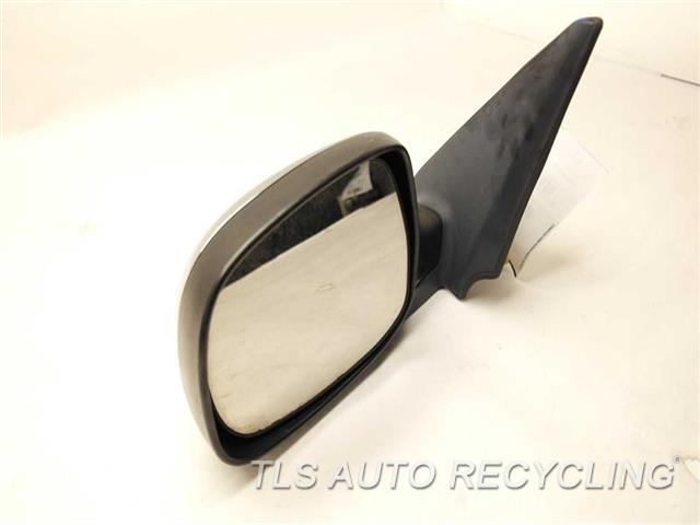 2006 Toyota Tundra Side View Mirror 87940-0C150  MINOR SCRATCHES ON THE BACK COVER CHROME DRIVER SIDE VIEW MIRROR