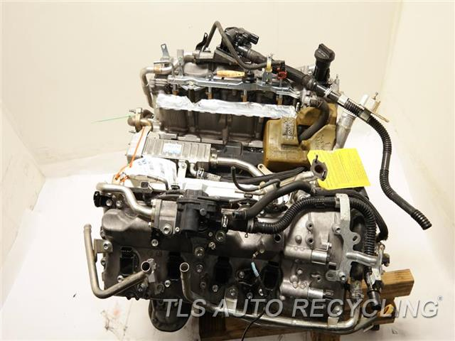 2013 Toyota Tundra Engine Assembly  ENGINE LONG BLOCK 1 YEAR WARRANTY