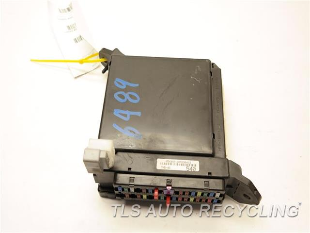 2013 Toyota Tundra fuse box - 82730-0C540 - Used - A Grade.