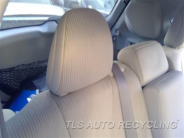 2009 Toyota Venza Headrest  TAN,CLO,REAR,OUTER