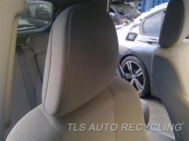 2009 Toyota Venza Headrest  TAN,CLO,FRONT