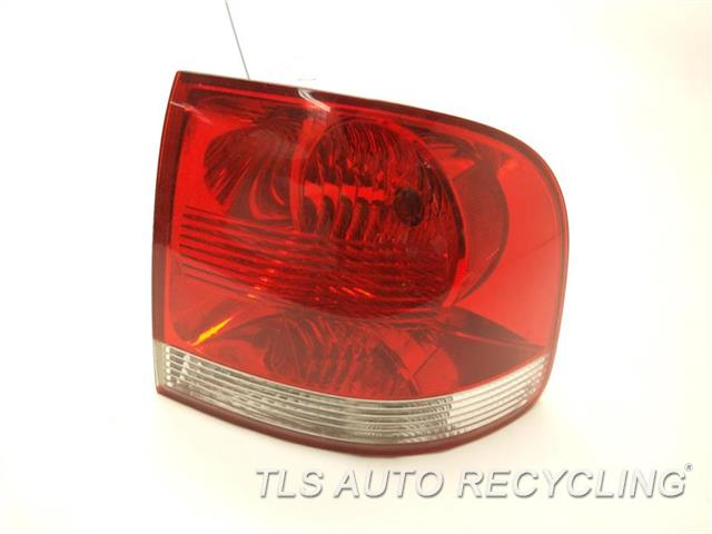 2006 Volkswagen Touareg Tail Lamp  PASSENTER TAIL LAMP 7L6945095Q