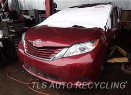 2016 Toyota Sienna Parts Stock# 7121BR