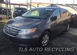 2011 Honda Odyssey Car for Parts