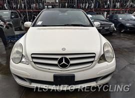 Parting Out Stock# 00813Y 2006 Mercedes R350