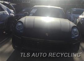 2016 Porsche MACAN Parts Stock# 9404BK